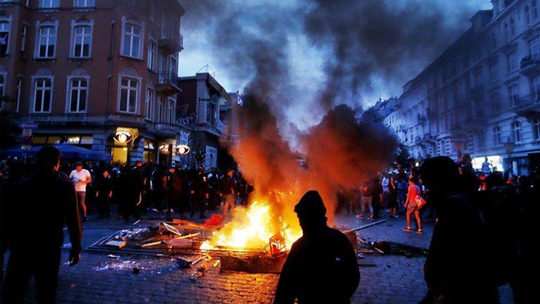 €12 εκατ. αναμένεται να πληρώσουν οι ασφαλιστές για τις ζημιές στο Αμβούργο