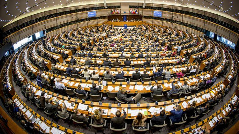 Ναι στην αναβολή της IDD και από το Ευρωπαϊκό Κοινοβούλιο